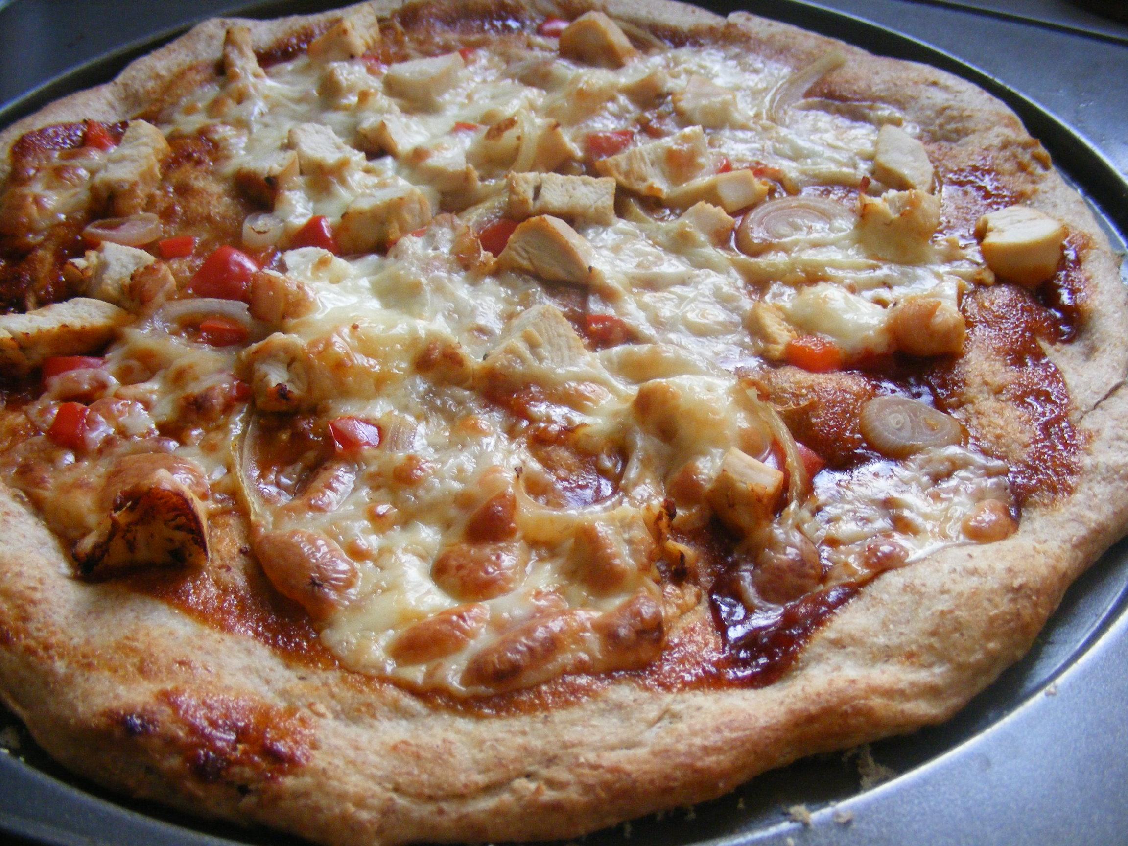 BBQ Chicken pizza   Tasty Meals